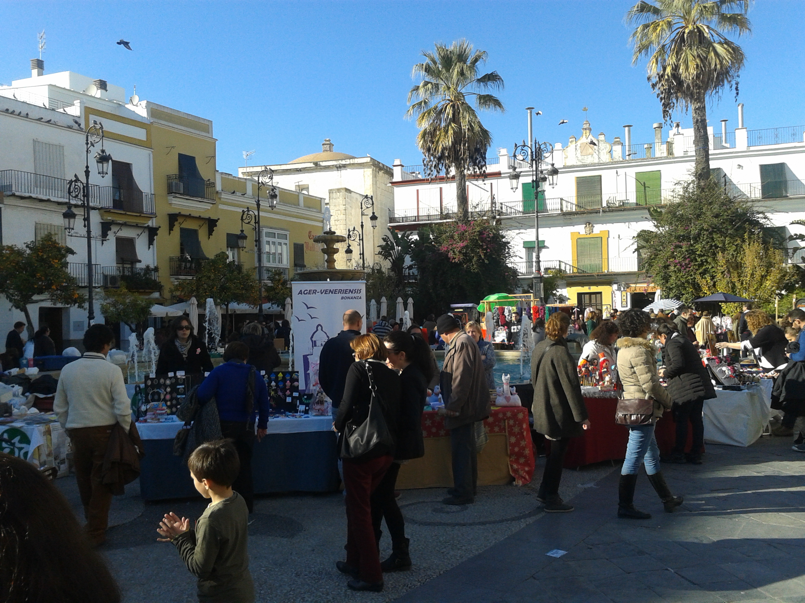 Artisans fair in the Plaza de Cabildo